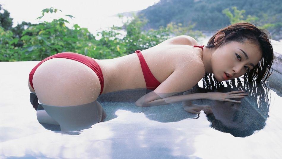日本大屁股美女秋山莉奈性感写真合集